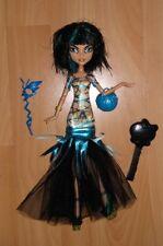 Poupée MONSTER HIGH de Cléo De Nile collection Halloween avec ses accessoires