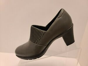 Clarks Bendables Women Size 7.5W Thoughtful Leather Slip On Mule Booties 80818