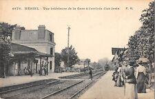 CPA 95 MERIEL VUE INTERIEURE DE LA GARE A L'ARRIVEE D'UN TRAIN