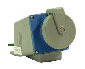 Hubbell 4100R9W Watertight Female Receptacle 1/pkg 100A 10HP 250VAC