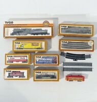 Lot of Vintage TYCO HO Scale Engine, Tender, Assorted Train Cars, and Tracks