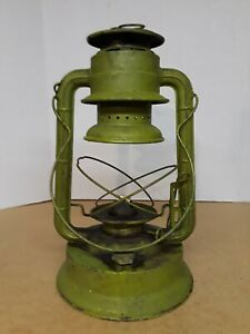Vintage Dietz No. 2 D-Lite Kerosene Oil Lantern NY USA Railroad Barn