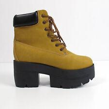 Shoe Republic LA Women's Ankle Boots Size US 9 EU 40 UK 7 Platform Sole Suede