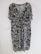 BASQUE WOMAN BEAUTIFUL BLACK AND WHITE STRETCH DRESS  , SIZE  20