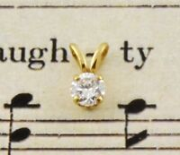 Beautiful solitaire Diamond Pendant set in 18ct Yellow Gold