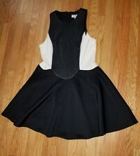Black and White Womens A-Line dress with a bit of flare Cameo Brand size medium