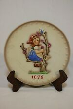 M.J. Hummel Goebel 1976 Annual Plate In Bas Relief W/out Box