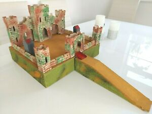 TRI-ANG  Wooden / Model CASTLE / TOY FORT Set - Ideal for Toy Soldiers / Knights