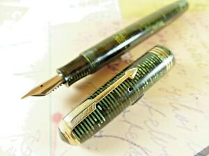 Emerald Pearl Parker Vacumatic Standard Fountain Pen - restored