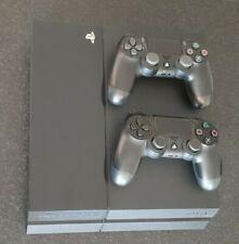 Sony PlayStation 4 500GB Konsole - Schwarz mit 2 Playstation Kontrollern