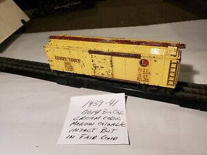 Lionel Pre War 00 Scale, 0014 Cream Color Box Car With Maroon Catwalk  1939/41