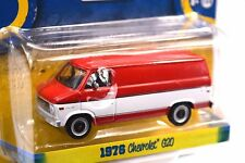 CHEVROLET G20 VAN 1976 RED WHITE COUNTRY ROADS 14 GREENLIGHT 29830 1:64 NEW