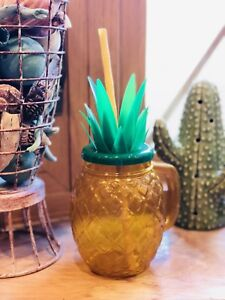 24 oz. Plastic Sparkling Gold Pineapple Party Cup with Lid & Bamboo Straw $5 Ea.