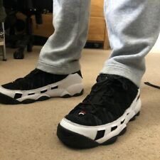 FILA MEN'S BLACK AND WHITE TRAINERS SIZE UK 9 - SHOES