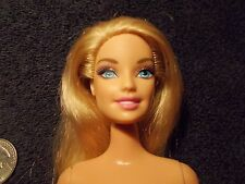 BARBIE BLONDE BLUE EYES ARTICULATED LEGS LEVER TO RAISE ARM & TURN HEAD #75