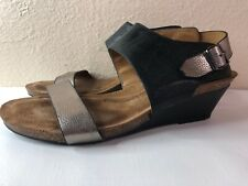 SOFFT Vanita Leather Wedge Sandal Women Shoe Size 9.5 W Black Gold Metallic