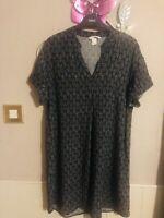 H&M Black/White Geo Print Short Sleeve Tunic Dress Size 8/10