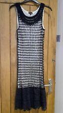Beautiful and Delicate Yumi lace design dress size L