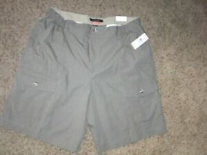 VAN HEUSEN The Traveler style SHORTS 34 x 9 NEW with $60 TAGS