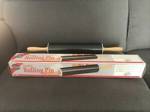 Silicone Rolling Pin Non stick Surface Wooden Handle NORPRO (Black) NEW