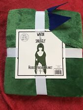 Warm & Snuggly Hooded Blanket Super Soft 50�x60� Green Dinosaur