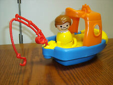 Fisher Price Bath toy Sail 'n Float Fishing Tug Boat w/Sounds & Figures lot