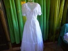 des ans 60= T36    jolie robe de mariée  le charme des années vintage t b état