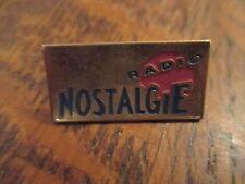 pin's radio nostalgie (sans attache)