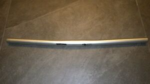 RACE FACE AIRALLOY HANDLEBAR, SILVER, 25.4MM X 560MM, FULL LENGHT, USED