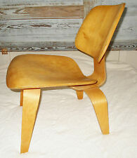 Vintage Mid-Century EAMES HERMAN MILLER MOLDED ASH PLYWOOD LCW LOUNGE CHAIR