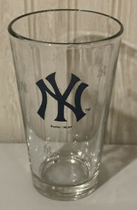 MLB New York Yankees Heavy Pint Glass