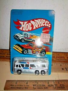 Another 1981 HOT WHEELS GREYHOUND MC-8 BUS on CARD NO.1127