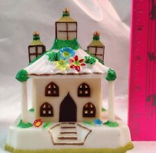 Vintage Wilton Plastic Church House Bank Hong Kong old world Flowers 3 Steeples
