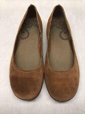 Merrell Women's Oak Flats Brown Suede Leather Slip On Size 8.5