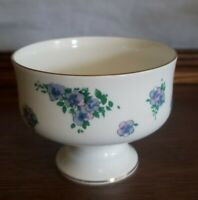 Royal Victorian Bone China Dessert Cups ROV3 set(4) Delicate gold trimmed footed