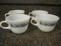 Corelle Corning Old Town Blue Onion Coffee Tea Cups  Vintage Set of 4