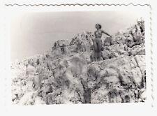 Nudism Nude Woman at Rocky Coast nude in roccia nudista * VINTAGE 50s amatoriale PHOTO