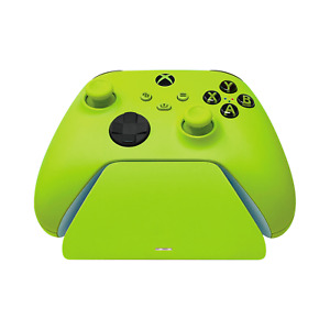 Razer Universal Quick Charging Stand for Xbox - Electric Volt Wake - Charging