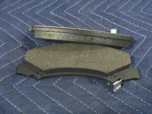 New 06-15 16 Buick Allure LaCrosse Chevrolet Impala Front Disc Brake Pad Set OEM