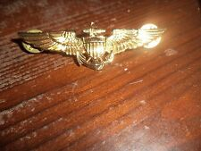 US NAVY PIN GOLD VINTAGE MILITARY V-21-N EAGLE ANCHOR WAR JACKET PIN