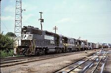 Norfolk Southern (NS) - GP38 - #2748 - Original 35mm Slide