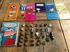 collection snoopy pins et cartes