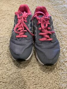 Nike Girl's Size 2Y Athletic Shoes Gray/Black/Pink Downshifted G