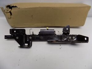 New OEM 2005-2007 Ford Freestar Track Assembly Seat 5F2Z-1761704-AA