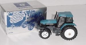1/43 New Holland 8260 Toy Farmer Tractor W/Box!