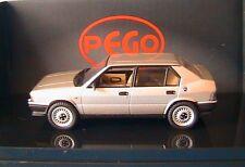 ALFA ROMEO 33 SERIE 1 1983 STRADALE BEIGE MET PEGO 1/43