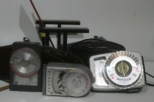 (d) 3 different light meters Seimax – Sekonic