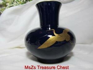 Large Dark Blue Asian Porcelain Vase w Stork & Gold Trim ** Mint Condition **