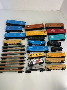 Tyco/bachmann HO Scale, LOT OF 28 Train Cars Vintage