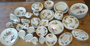 Vintage Royal Worcester Evesham Gold Individual Items Excellent Condition